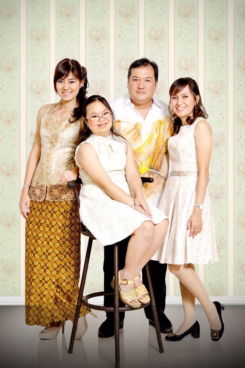 Ev. Daniel Krestianto and family